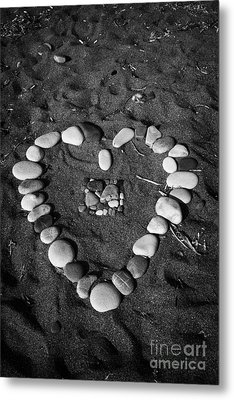 Heart Symbol Made Out Of Pebbles On The Beach At Aphrodites Rock Petra Tou Romiou Cyprus Metal Print by Joe Fox
