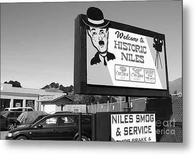Historic Niles District In California Near Fremont . Welcome To Niles Sign . 7d10603 . Bw Metal Print by Wingsdomain Art and Photography