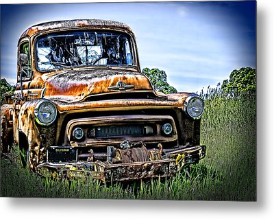 International Truck Alone And Rusting Metal Print by William Havle