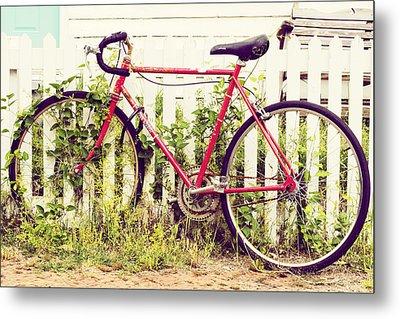 Ivy Bike Metal Print by Laura George