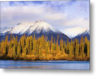 Kathleen Lake And Mountains At Sunrise Metal Print by Yves Marcoux