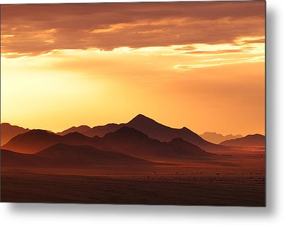 Land Of Sand Metal Print by Christian Heeb