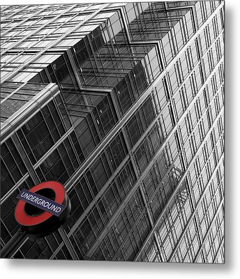 London Underground Metal Print by Nina Papiorek