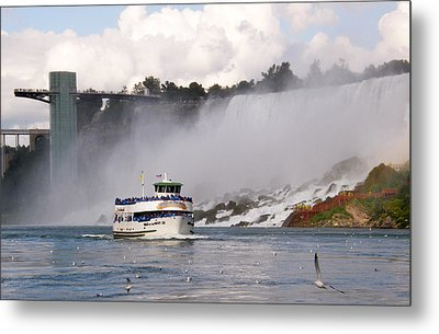 Maid Of The Mist At Niagara Falls Metal Print by Mark J Seefeldt