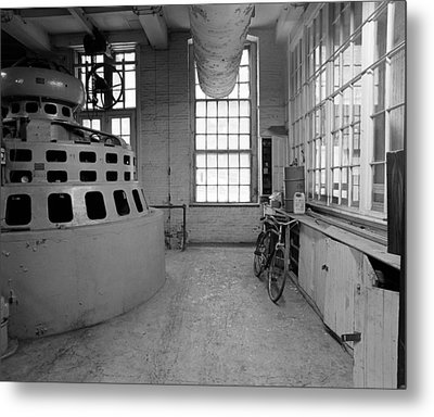 Manpower Metal Print by Jan W Faul