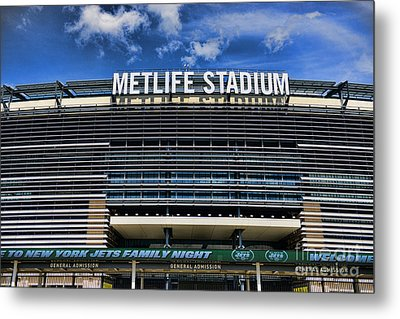 Metlife Stadium Metal Print by Paul Ward