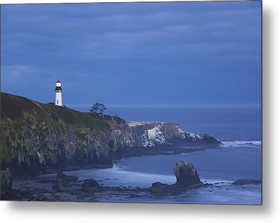 Morning Light Over Yaquina Head Metal Print by Craig Tuttle