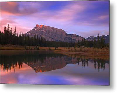 Mount Rundle And The Cascade Ponds In Metal Print by Carson Ganci
