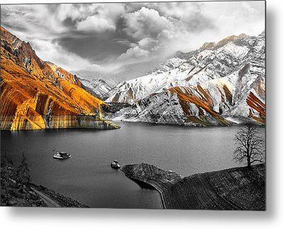 Mountains In The Valley 2 Metal Print by Sumit Mehndiratta