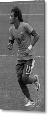Neymar Running Black And White Metal Print by Lee Dos Santos