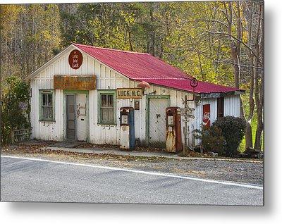 North Carolina Country Store And Gas Station Metal Print by Bill Swindaman