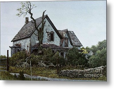 Old Farmhouse Picton Metal Print by Robert Hinves