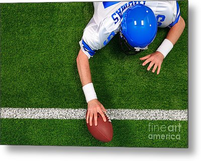 Overhead American Football Player One Handed Touchdown Metal Print by Richard Thomas