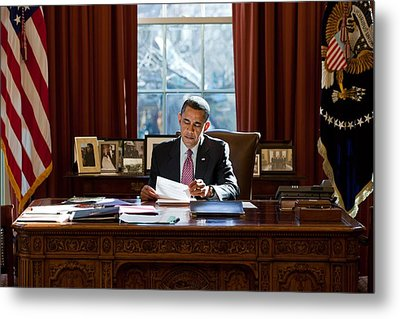 President Barack Obama Reviews Metal Print by Everett