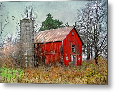 Red Barn Metal Print by Mary Timman