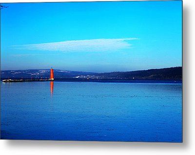 Red Lighthouse In Cayuga Lake New York Metal Print by Paul Ge
