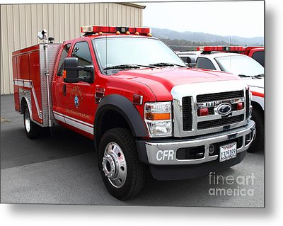 Rescue Truck . Coastside Fire Protection District 7d15096 Metal Print by Wingsdomain Art and Photography