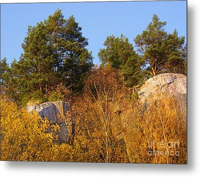 Rocky Autumn Sun Metal Print by Lutz Baar