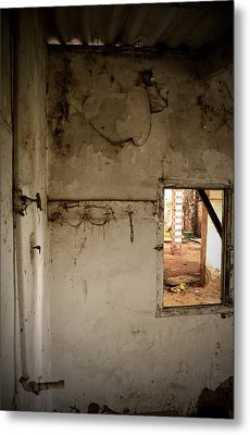 Small Window In An Abandoned Kitchen Metal Print by RicardMN Photography
