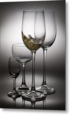 Splashing Wine In Wine Glasses Metal Print by Setsiri Silapasuwanchai