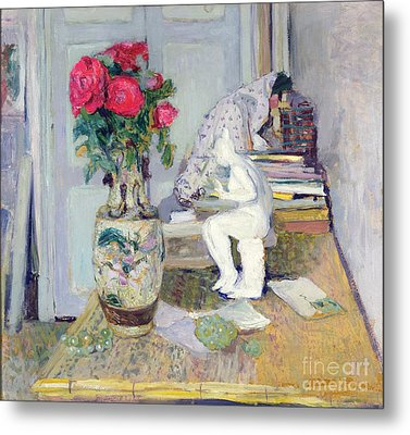 Statuette By Maillol And Red Roses Metal Print by Edouard Vuillard