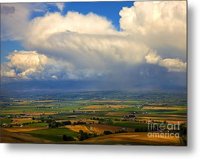 Storm Over The Kittitas Valley Metal Print by Mike  Dawson