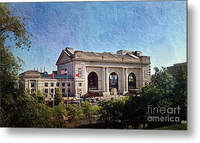 Sun Rising On Union Station In Kansas City Tv Metal Print by Andee Design