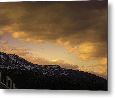 Sun Set Eagle River Metal Print by Grover Woessner