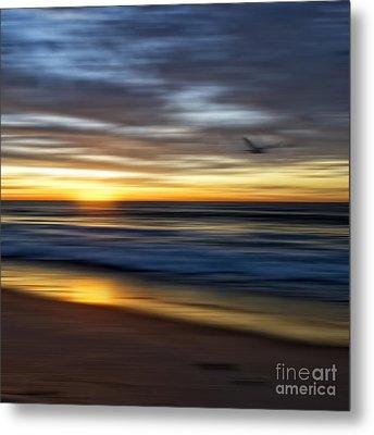 Sunrise Over The Ocean Metal Print by Diane Metz