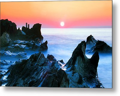 Sunset At Sea With Rocks In Foreground Metal Print by Midori Chan-lilliphoto