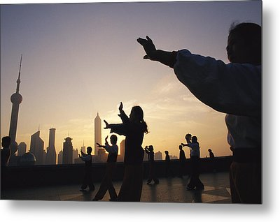 Tai Chi On The Bund In The Morning Metal Print by Justin Guariglia