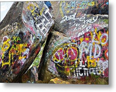 Talking Rocks Close Metal Print by Susan Leggett