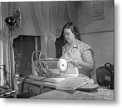 Tennessee: Farm Wife, 1942 Metal Print by Granger