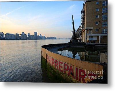 Thames Sunrise Metal Print by Donald Davis