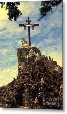 The Cross IIi In The Grotto In Iowa Metal Print by Susanne Van Hulst