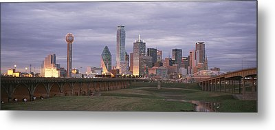 The Dallas Skyline At Dusk Metal Print by Richard Nowitz