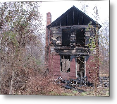 The Face Of The Broken Heart Metal Print by Valia Bradshaw