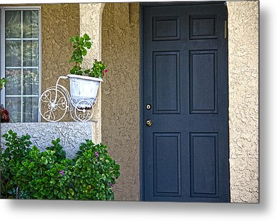 The Flower Pot Metal Print by Molly Heng