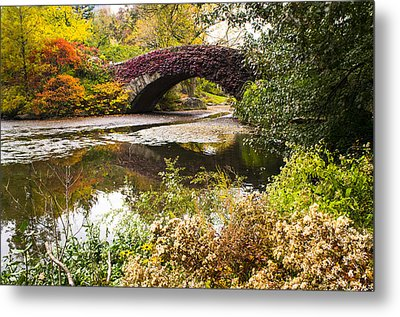 The Gapstow Bridge In Central Park In New York City Metal Print by Ellie Teramoto