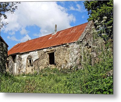 The Old Shed Metal Print by Julie Williams
