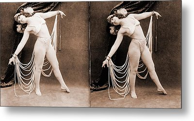 The Primadonna, A Stereo Photo Metal Print by Everett