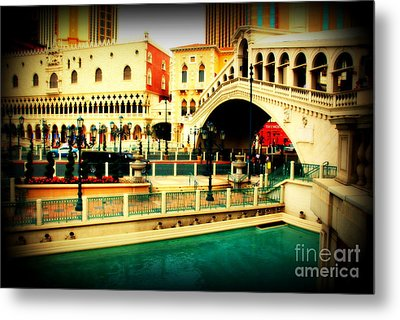 The Rialto Bridge Of Venice In Las Vegas Metal Print by Susanne Van Hulst