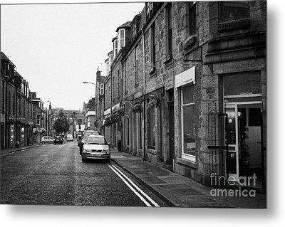 Thistle Street Rows Of Granite Houses And Shops Aberdeen Scotland Uk Metal Print by Joe Fox