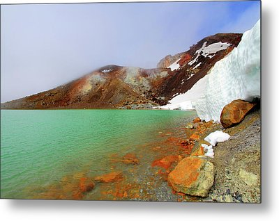 Tongariro Track Emerald Lakes New Zealand Metal Print by Timphillipsphotos