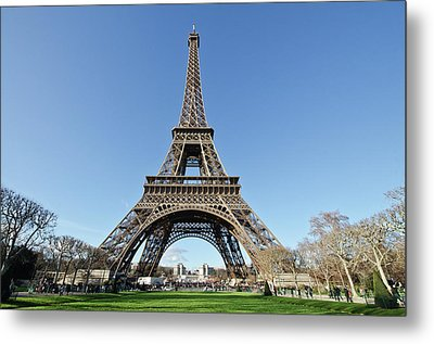 Tour Eiffel With Blue Sky Metal Print by Photo by Volanthevist