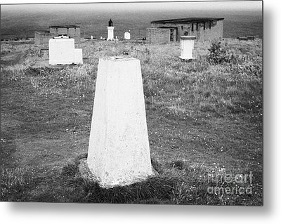 Triangulation Point And Old Weather Station At Dunnet Head Most Northerly Point Of Mainland Britain  Metal Print by Joe Fox