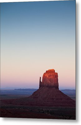 Twilight In The Valley Metal Print by Dave Bowman
