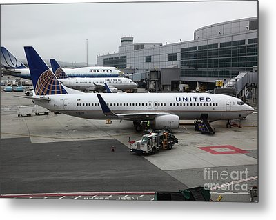 United Airlines At Foggy Sfo International Airport . 5d16937 Metal Print by Wingsdomain Art and Photography
