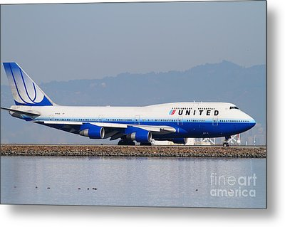 United Airlines Jet Airplane At San Francisco International Airport Sfo . 7d12006 Metal Print by Wingsdomain Art and Photography