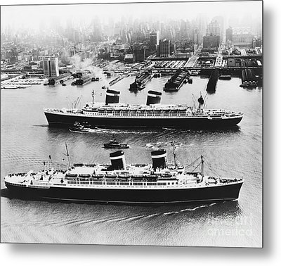 United States Lines Ships Metal Print by Photo Researchers